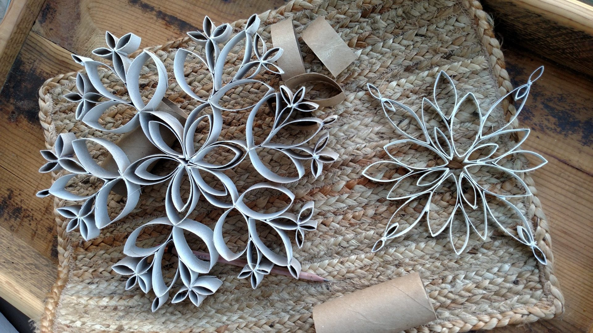 Christmas craft idea zero waste snowflakes from toilet paper. Craft with kids.